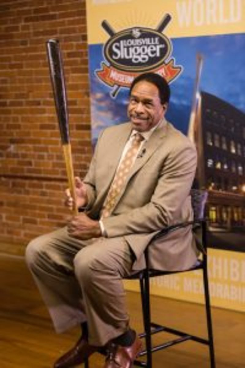 Dave Winfield was awarded the Living Legend Award at the Louisville Slugger Museum and Factory Nov. 11, 2016. (Photos courtesy Louisville Slugger Museum & Factory)