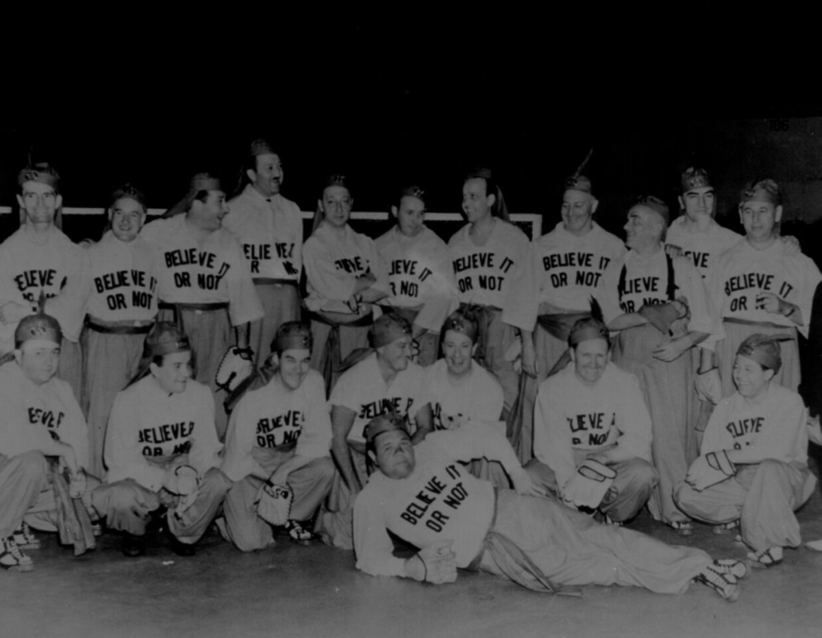 Ripley's Believe It or Not! Baseball Team – Babe Ruth is lounging in the front row. The uniform in the photo and during games is on display in the exhibit.