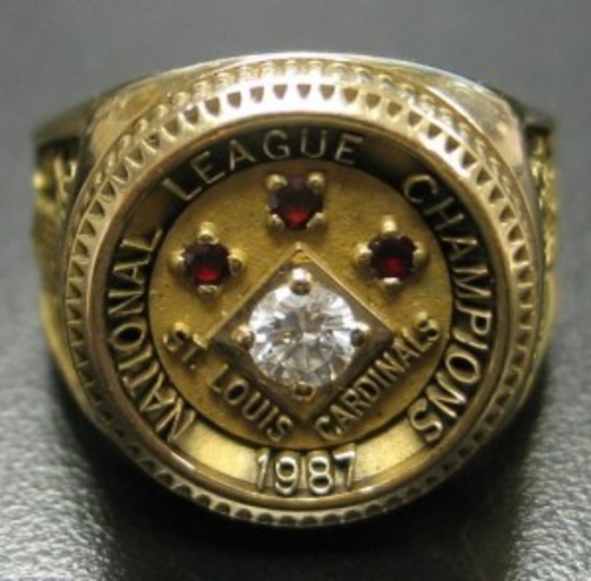 1987 St. Louis Cardinals National League championship ring from the estate of Bart Giamatti.