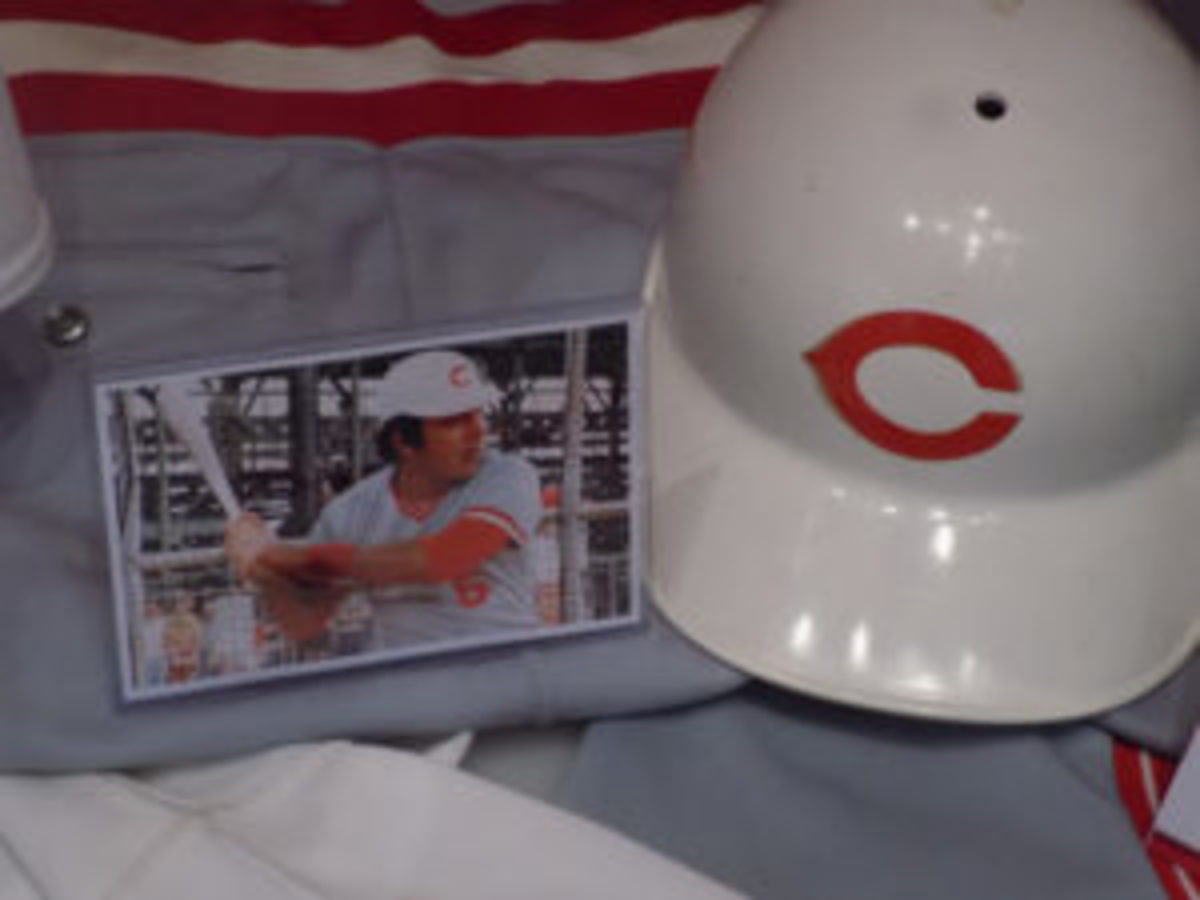 The white batting helmet that Johnny Bench wore in Spring Training in 1983.