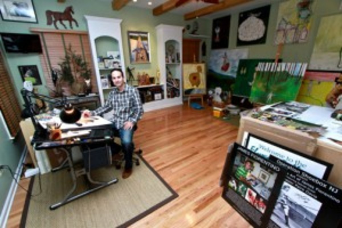 James Fiorentino has had a knack for drawing and painting since childhood. As a junior in high school, he was creating masterpieces for Hall of Famers. In college, luminaries such as Whitey Ford were waking him up in his dorm room asking for his work.