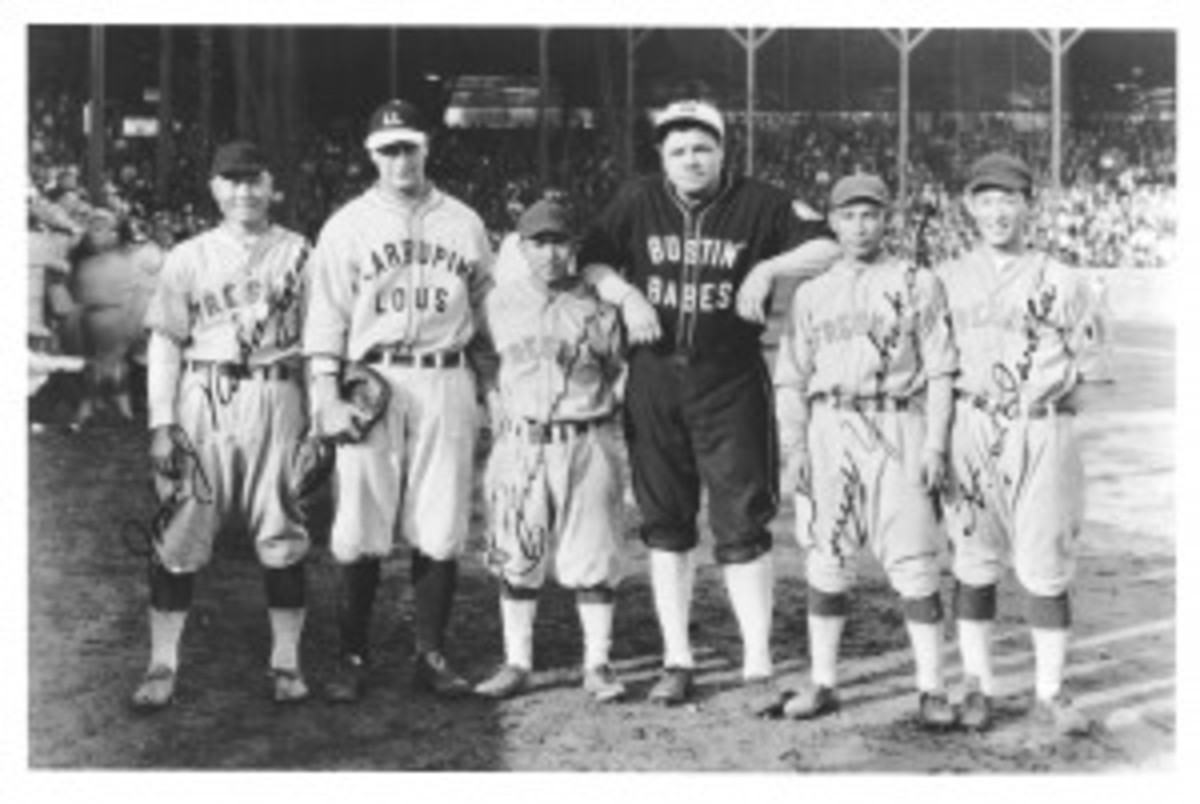 From left, in that historic meeting of baseball cultures in Fresno, Calif., in 1927, Johnny Nakagawa, Lou Gehrig, Kenichi Zenimura, Babe Ruth, Fred Yoshikawa and Harvey Iwata.