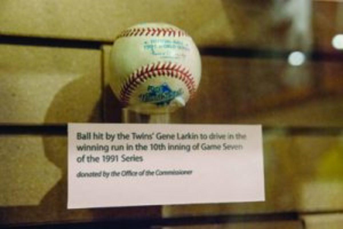 Larkin's home run ball 1991 World Series