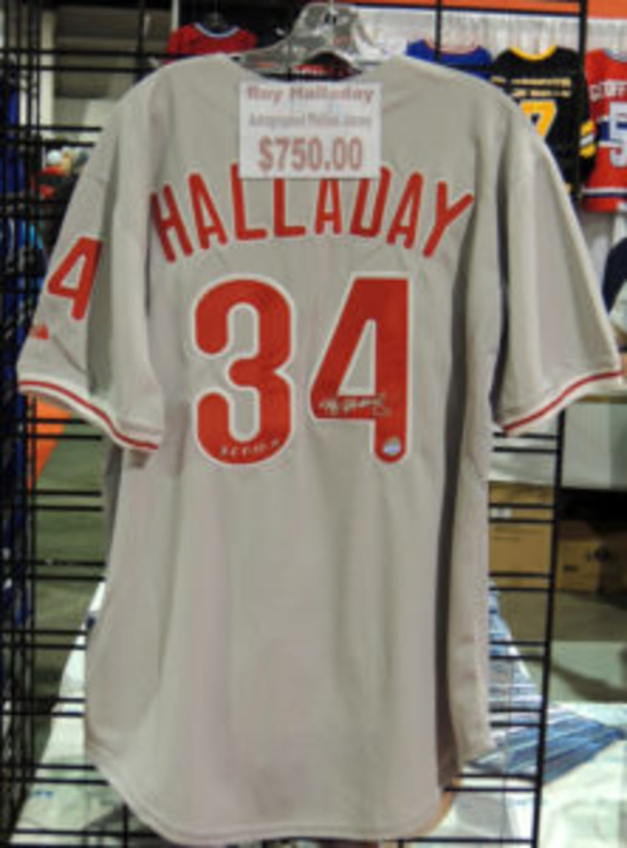 Former major league pitcher Roy Halladay was killed in a plane crash three days before the Toronto Expo. One dealer had an autographed Halladay Phillies jersey for sale for $750.