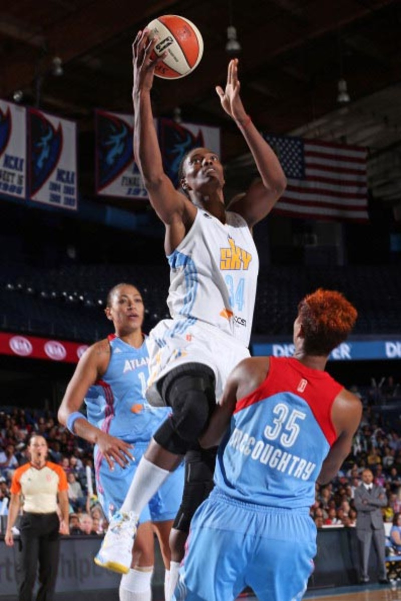 During the 2014 season, Fowles, a 6-foot-6 center, averaged a double-double with 13.4 points per game and 10.2 rebounds per game. Photo courtesy of Chicago Sky