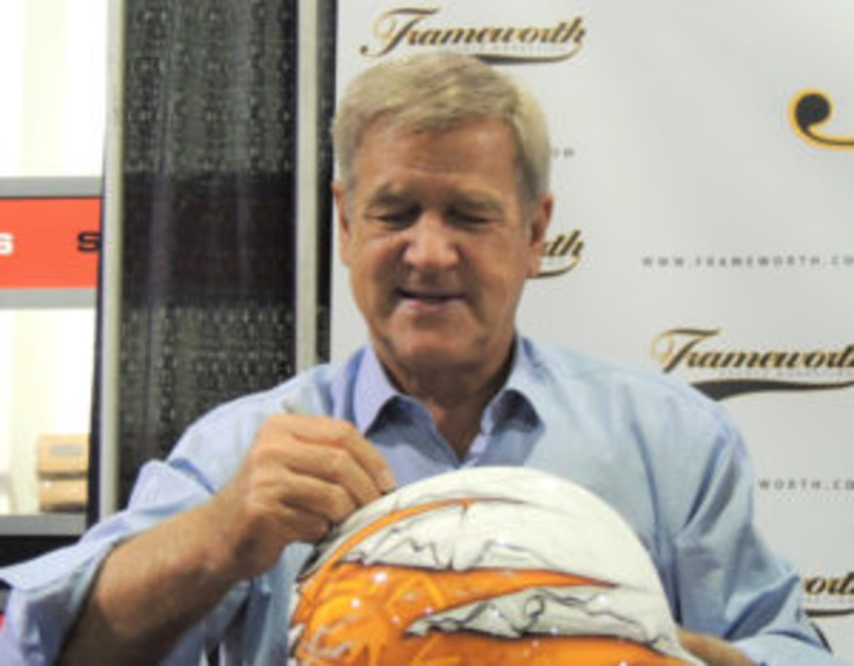 All-time hockey great Bobby Orr.