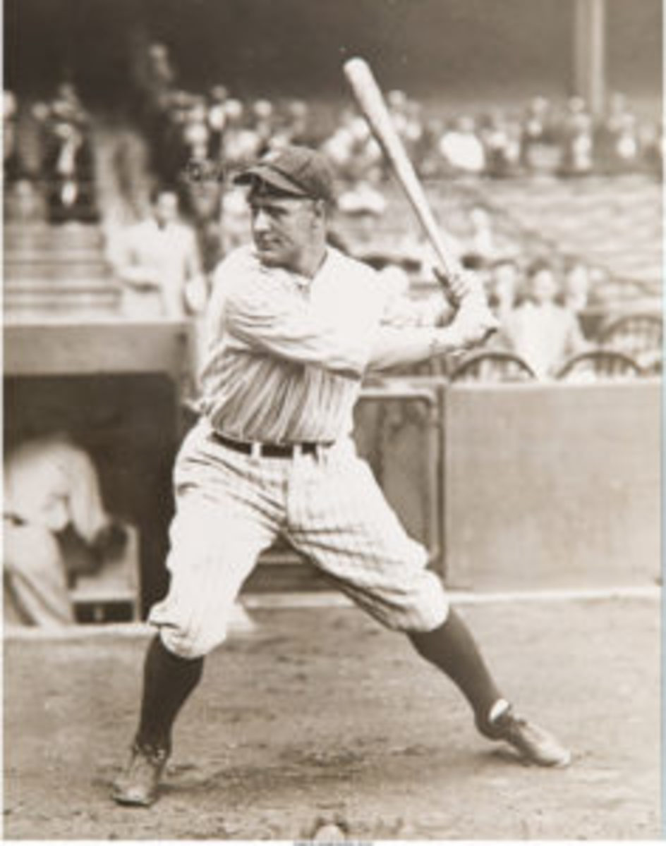 This photo of Lou Gehrig was used for the 1933 Goudey baseball card. (Imaged by Heritage Auctions, HA.com)