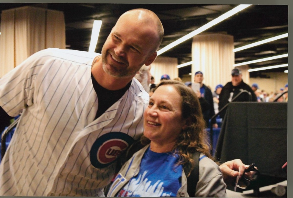 David Ross poses with a fan during the convention. All photos courtesy of Rick Firfer.