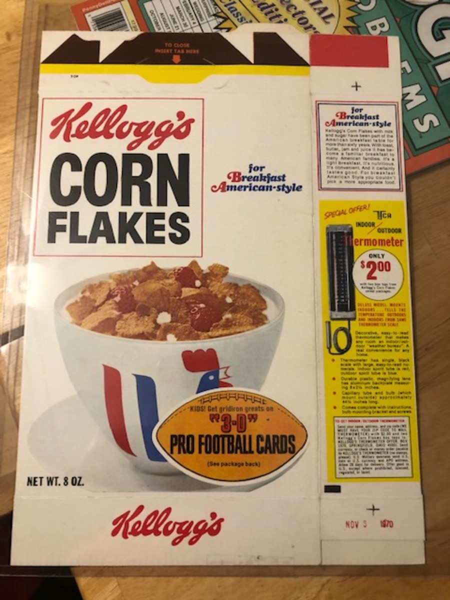 1.1970Kelloggscornflakesboxfront3Dfootballcardsad