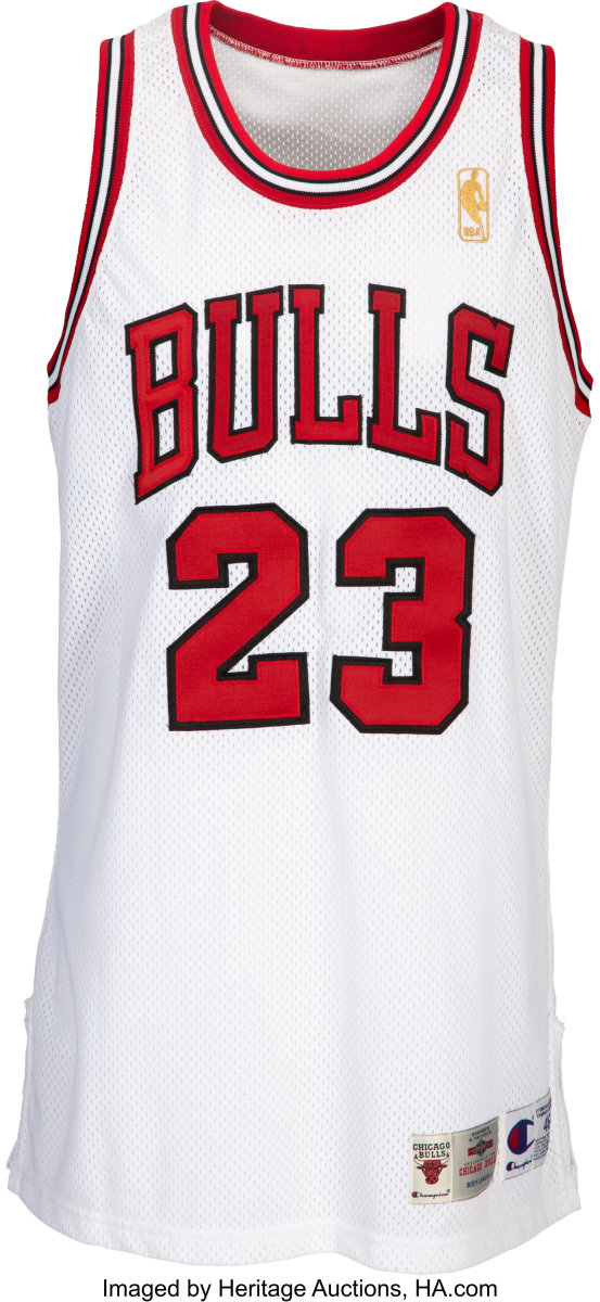1996-97_Michael_Jordan_Game_Worn_Signed_Chicago_Bulls_Uniform_Bulls_Team_Letter_Heritage_Auctions