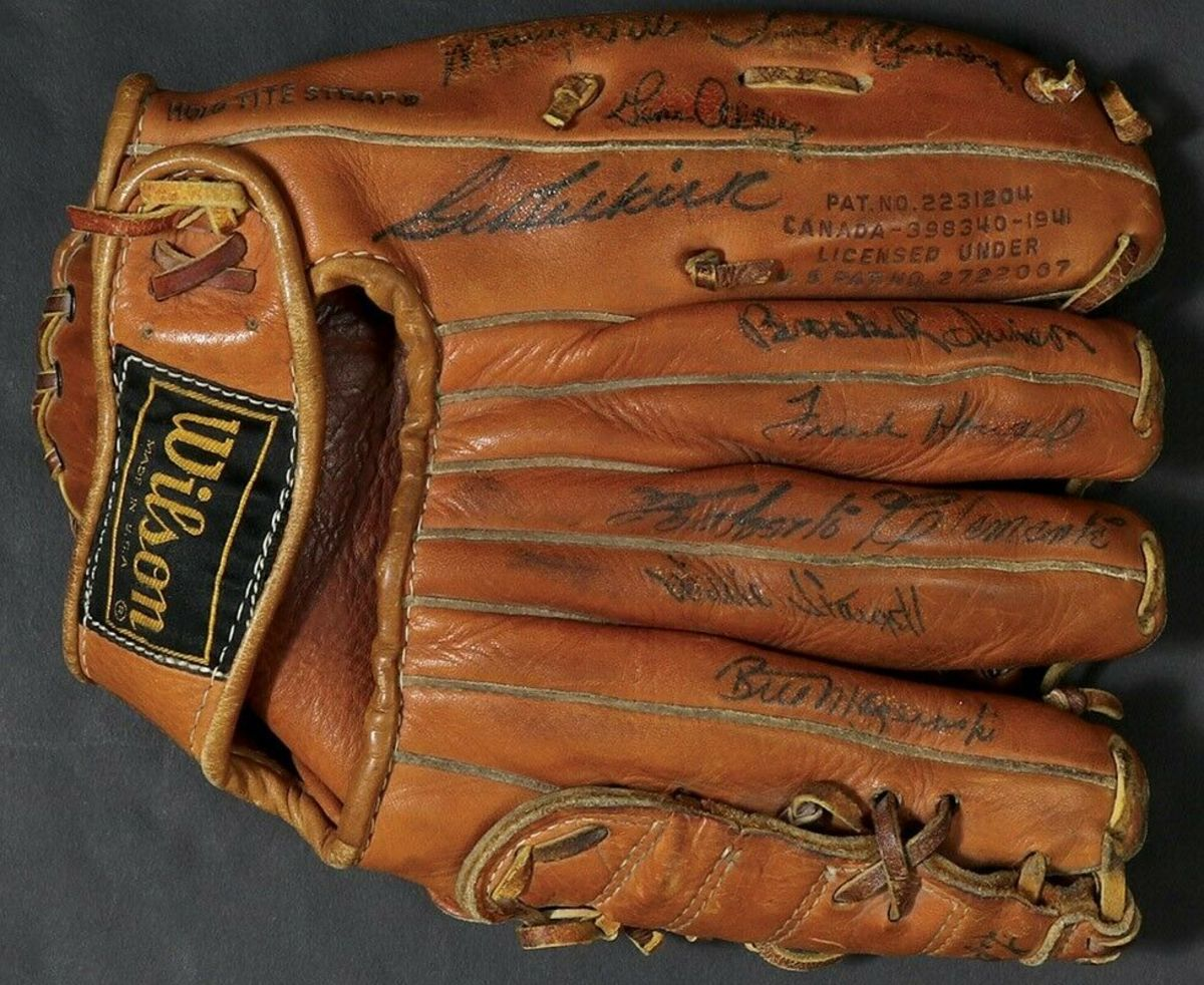 5—OA-signed-glove-autographs