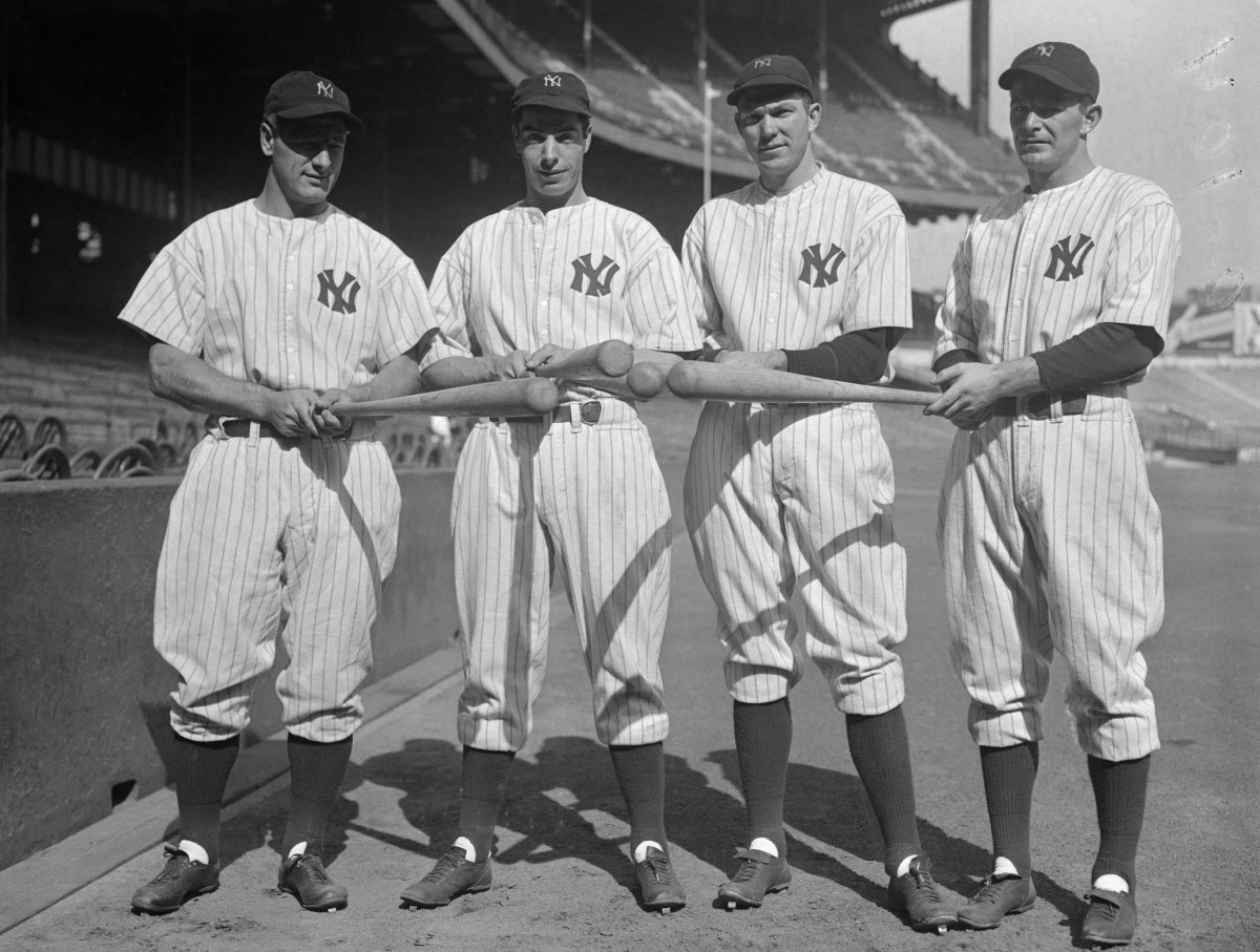"From 1937, Selkirk, far right, stands with Lou Gehrig, Joe DiMaggio and Bill Dickey of the Yankee ""Murderer's Row."" Photo: Bettmann/Getty Images"