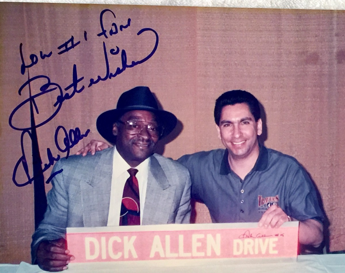 Allen and Santoro at an autograph signing