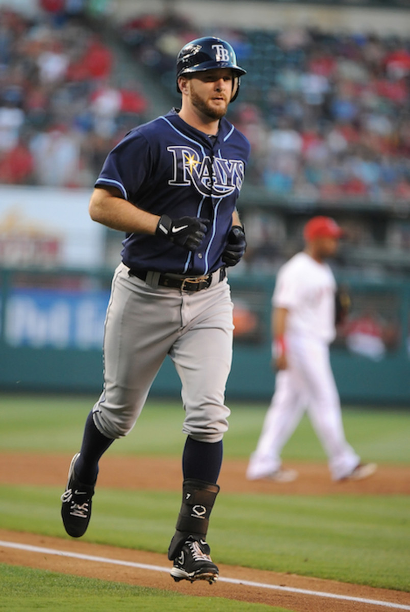 Jeff Keppinger trotting home after hitting a home run for the Tampa Bay Rays. Photo: Lisa Blumenfeld/Getty Images