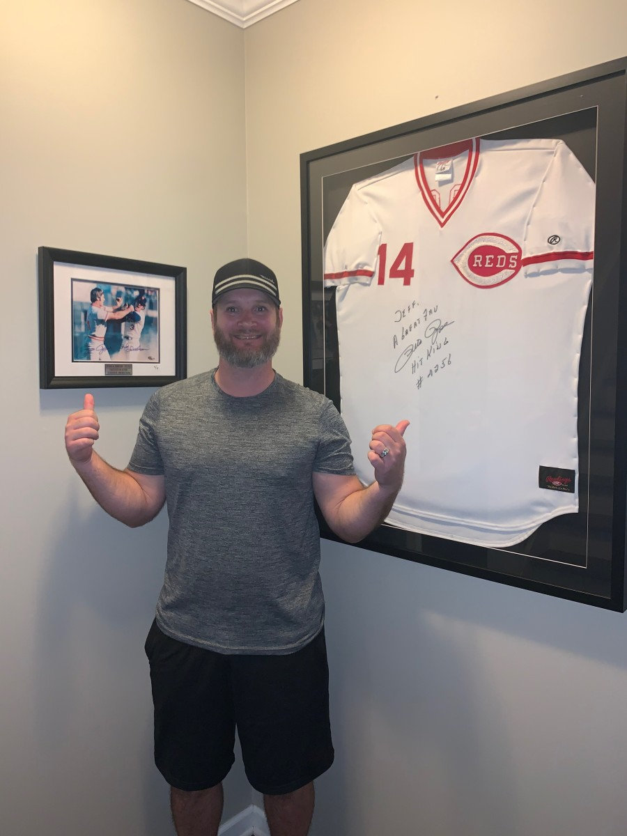 Keppinger is a big Pete Rose fan, and has autographed jersey and photo from him.