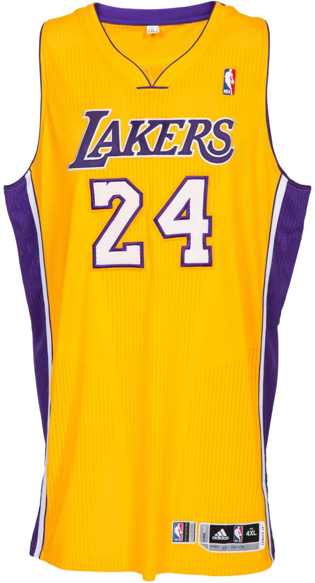 Kobe-2012-13-game-worn-home-jersey-HA