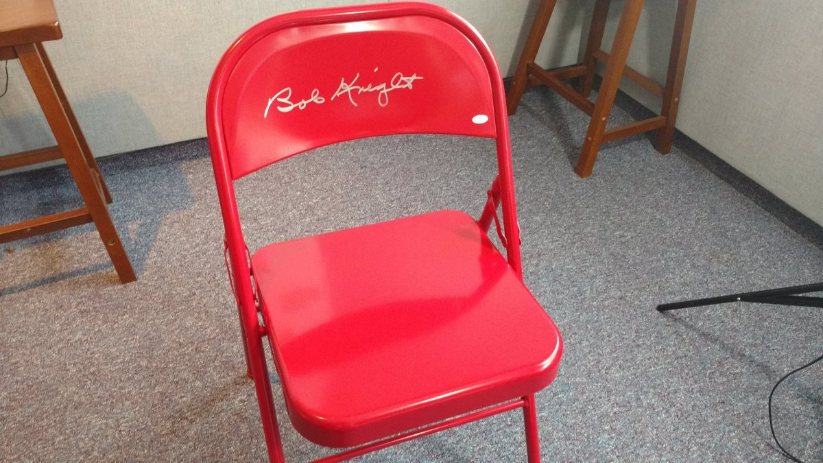 Bobby Knight donated two autographed folding chairs for the cause.