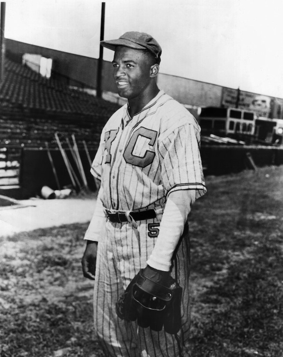 Jackie Robinson as a shortstop for the Kansas City Monarchs in 1944. Photo: Sporting News via Getty Images