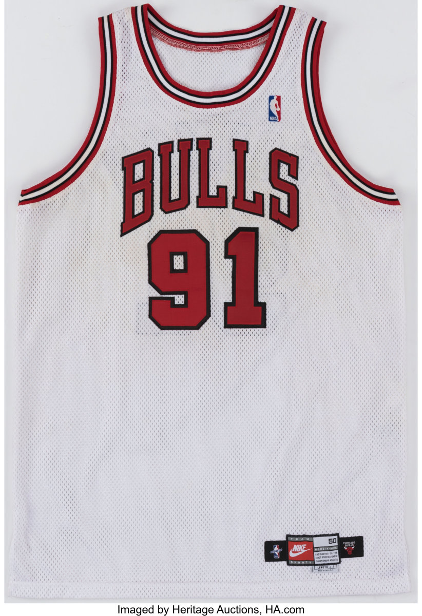 1997-98_Dennis_Rodman_Game-Worn_Chicago_Bulls_Jersey_Heritage_Auctions