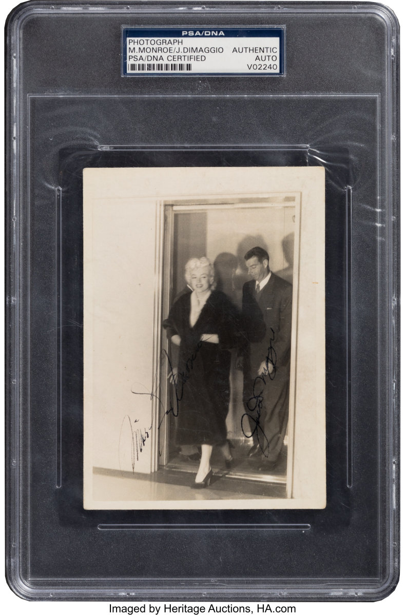 This photo of Joe DiMaggio and his wife, Marilyn Monroe, sold at Heritage Auctions.