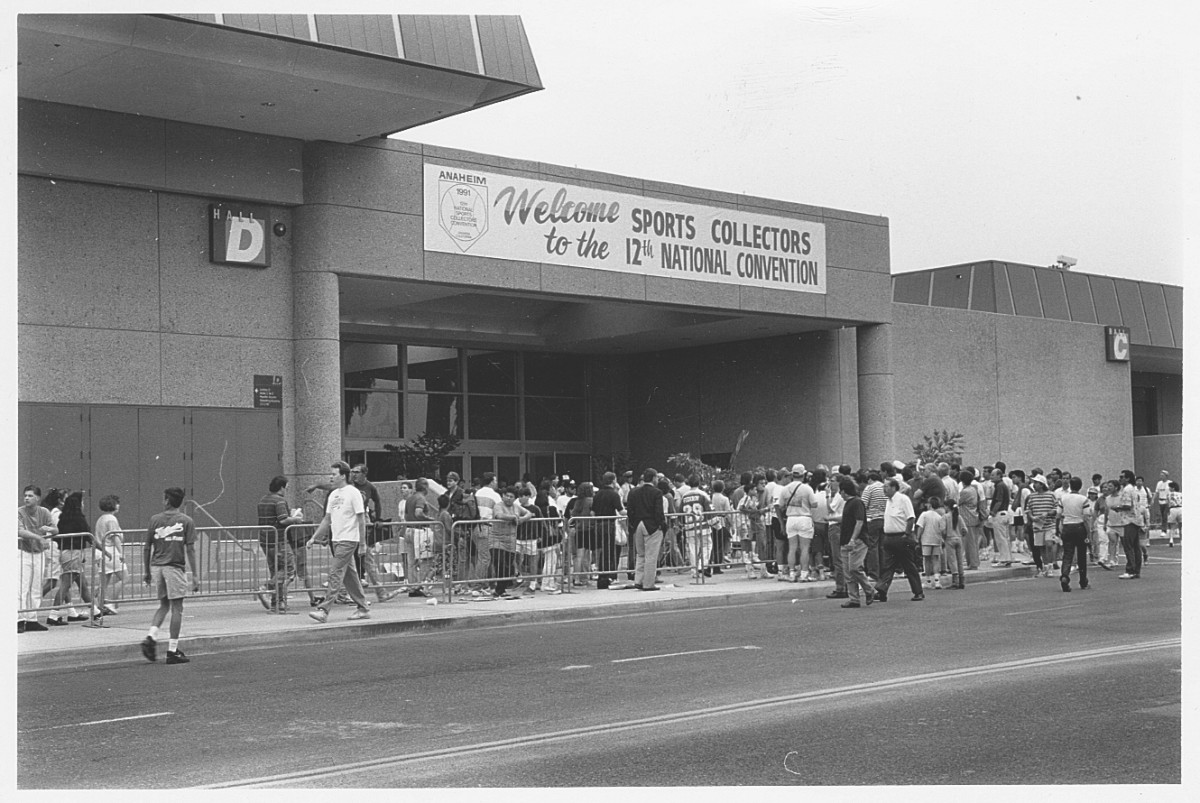 A crowd lines up to enter the 1991 National Sports Collectors Convention in Anaheim, Calif.