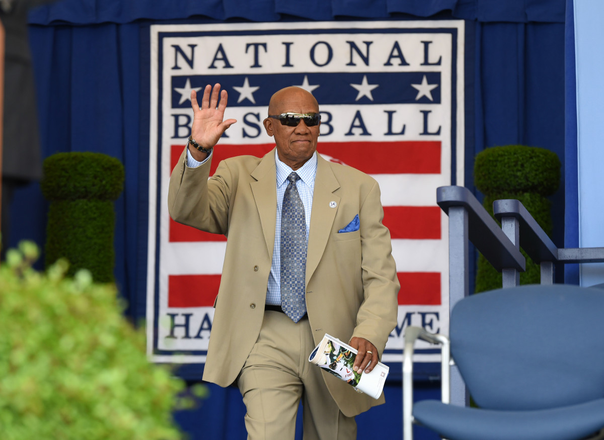 Fergie Jenkins is introduced during his 1991 Hall of Fame induction ceremony.