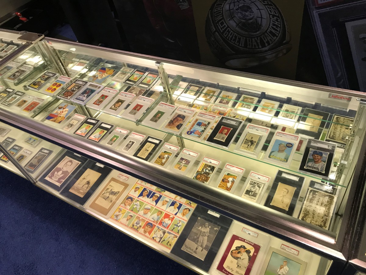 Heritage Auctions' card case at the 2019 National.