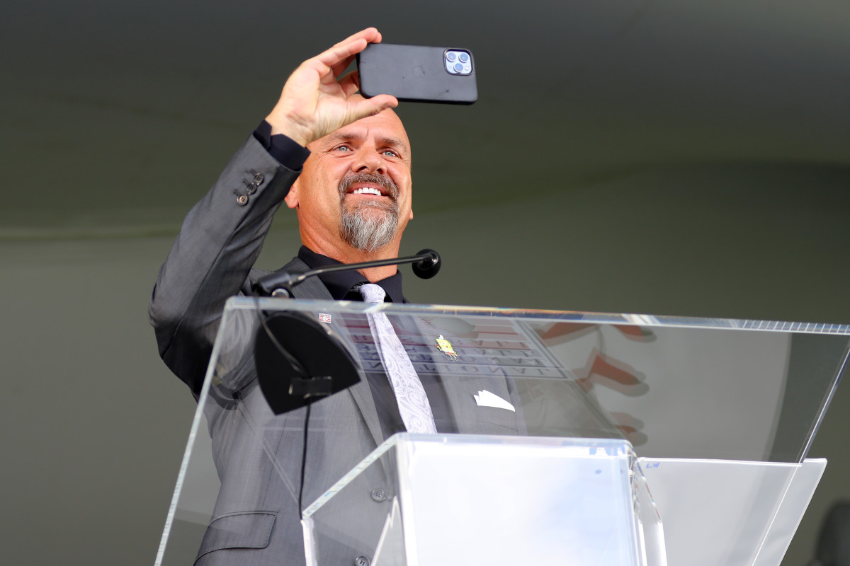 Larry Walker at his Baseball Hall of Fame induction ceremony.